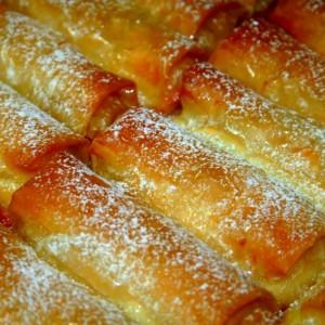 אצבעות פילו במילוי גבינה מתוקה