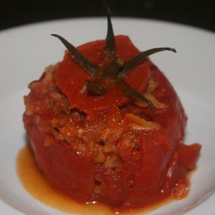 עגבניות ממולאות בבשר ואורז