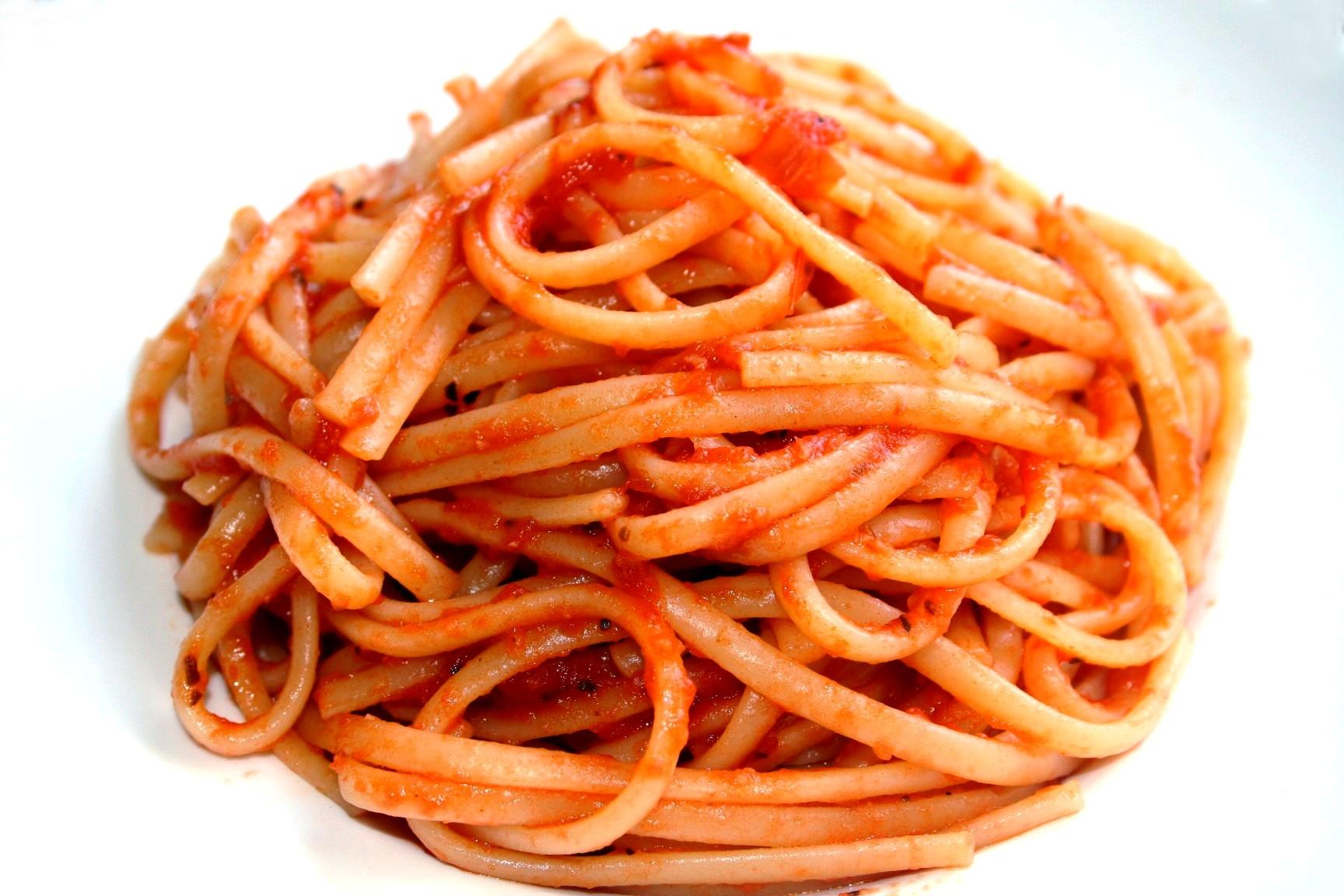 לינגוויני ברוטב עגבניות