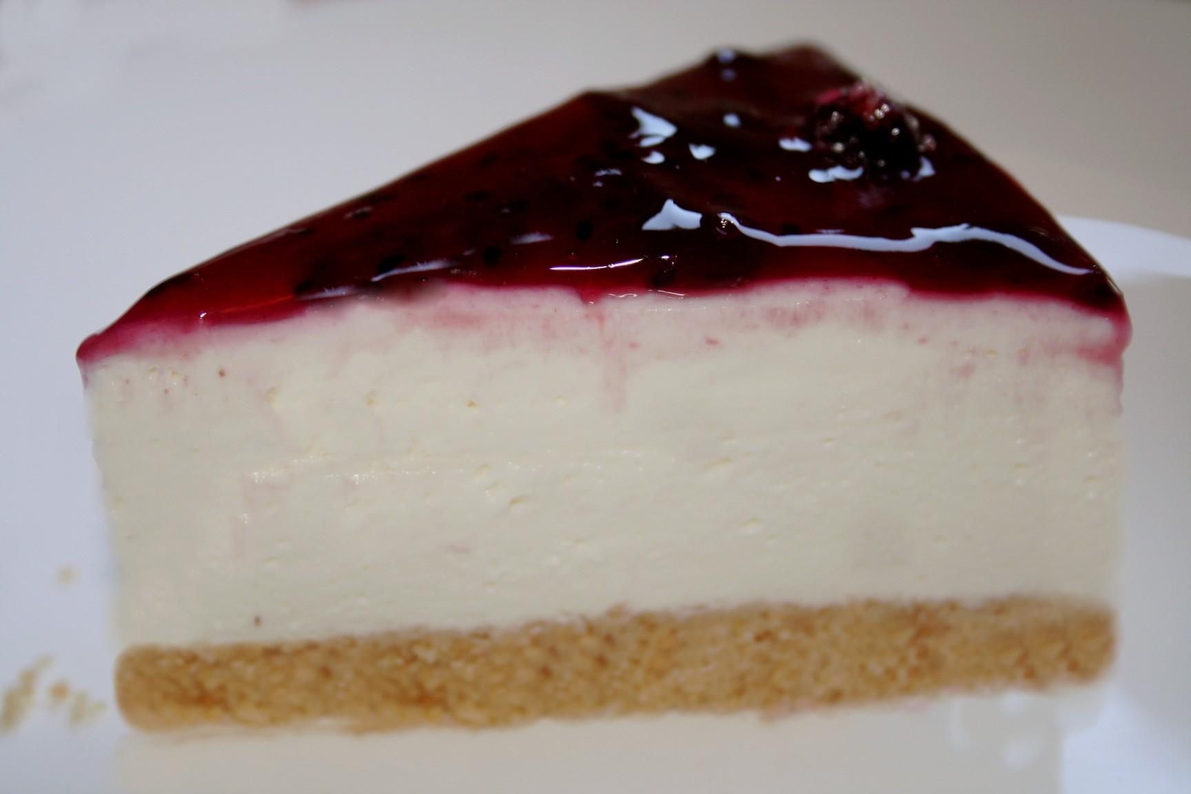 עוגת גבינה קרה עם אוכמניות