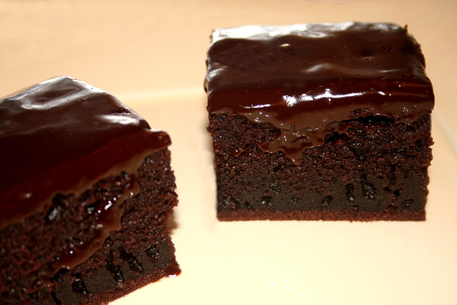 עוגת שוקולד הקסם השחור