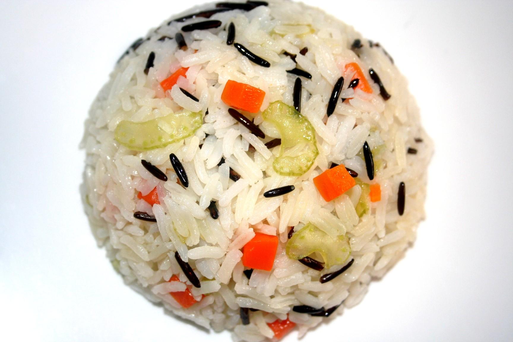 אורז שחור לבן