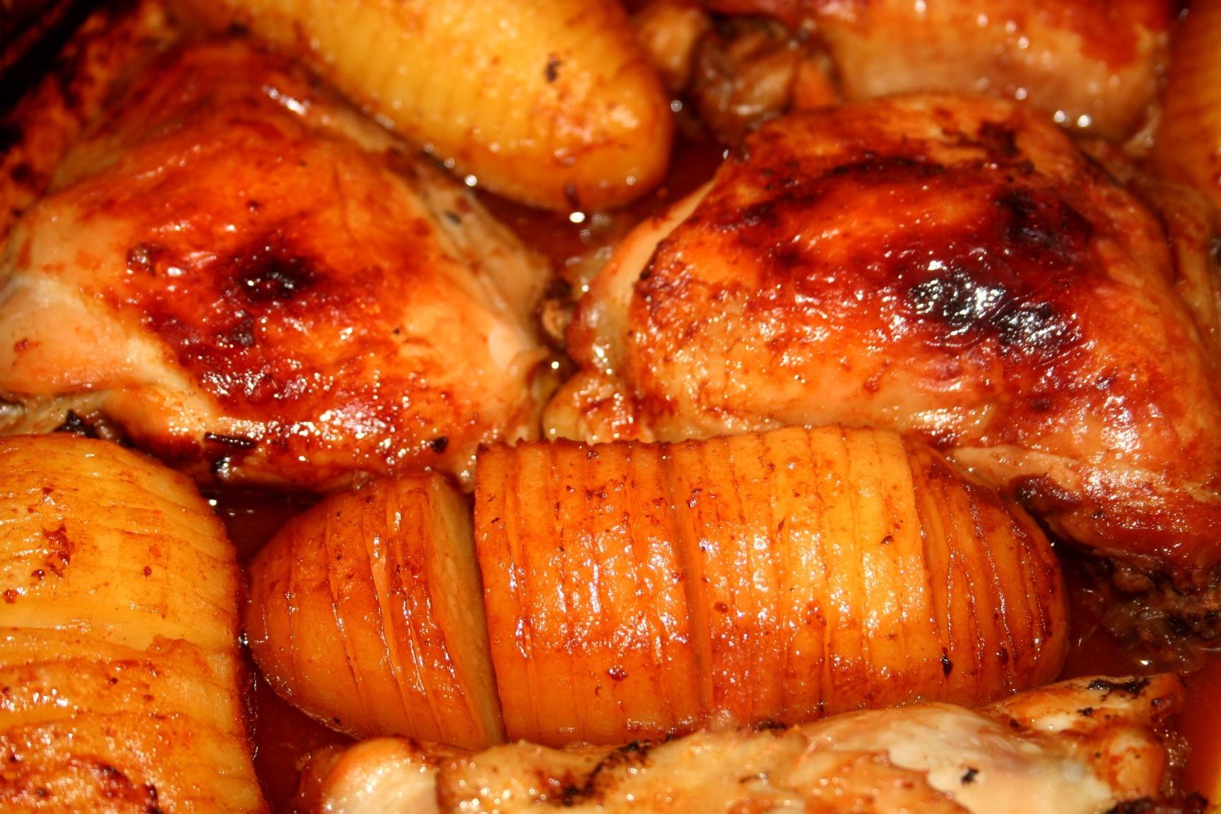 עוף ותפוחי אדמה ברוטב ברבקיו