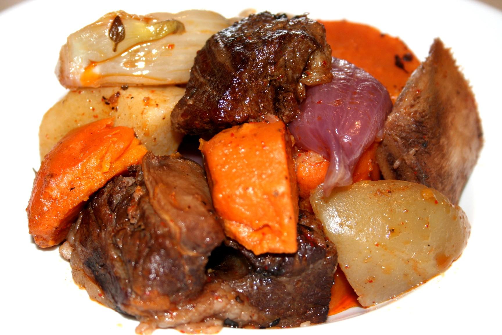 בשר אסאדו עם ירקות שורש