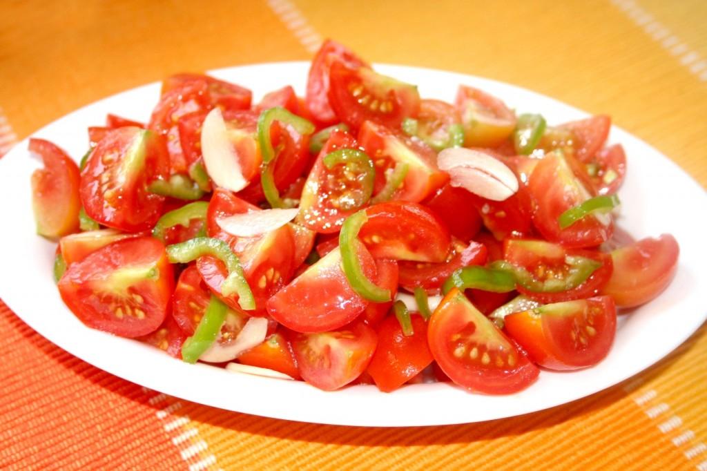סלט עגבניות אש - צילום: שפרה נחום