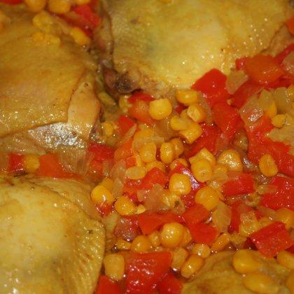 צלי עוף עם פלפל אדום ותירס