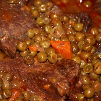 תבשיל בשר בטטה ואפונה