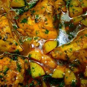 תבשיל עוף ותפוחי אדמה בשום ושמיר