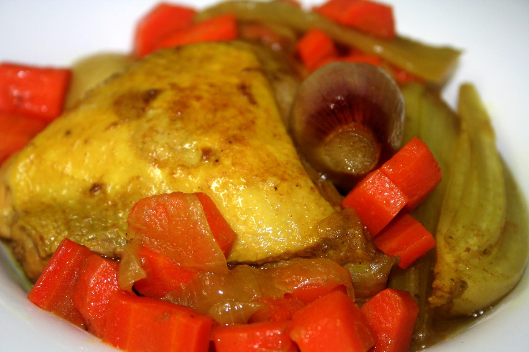 תבשיל עוף עם גזר שומר ושאלוט
