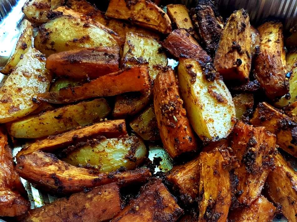 קריספי תפוחי אדמה ובטטות בתנור