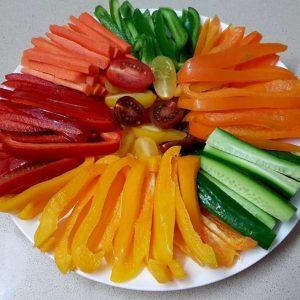 ירקות חתוכים לרצועות - הצעת הגשה