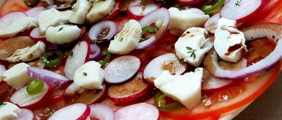 סלט עגבניות איטלקי