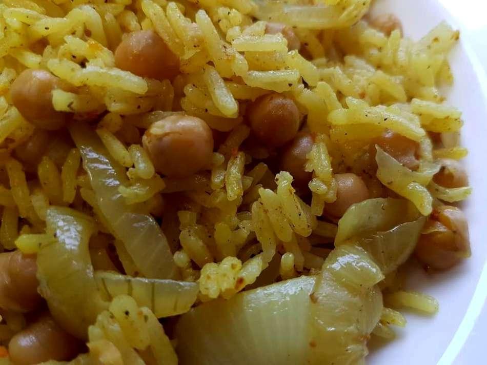 אורז וגרגירי חומוס בטעם שווארמה