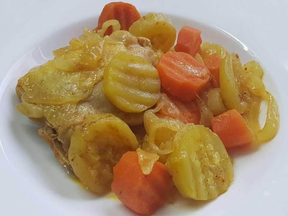 תבשיל עוף גזר וקישואים