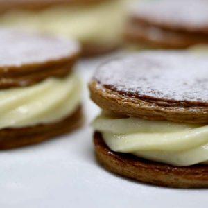 עוגות קרם שניט אישיות במילוי קרם פטיסייר (מוסלין)