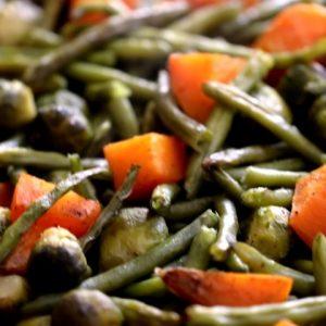 שעועית ירוקה עם כרוב ניצנים ובטטה בתנור