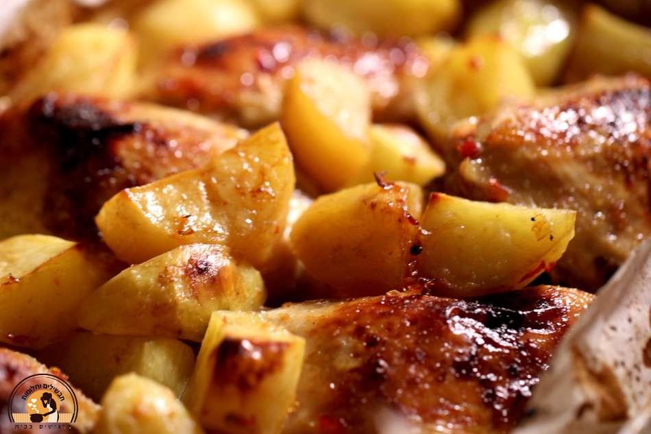 עוף ותפוחי אדמה ברוטב ברבקיו בקלי קלות