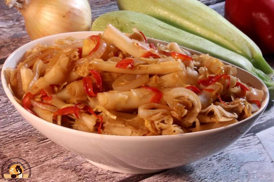 שבבי אורז עם ירקות מוקפצים