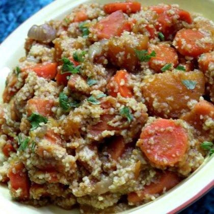 תבשיל ירקות כתומים ובורגול