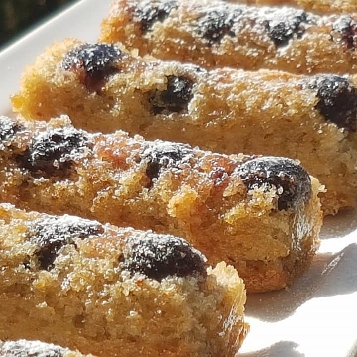 עוגיות פיננסייר ודובדבני אמרנה