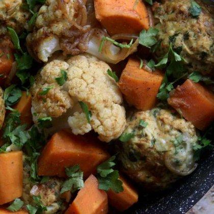 תבשיל כדורי עוף כרובית ובטטה