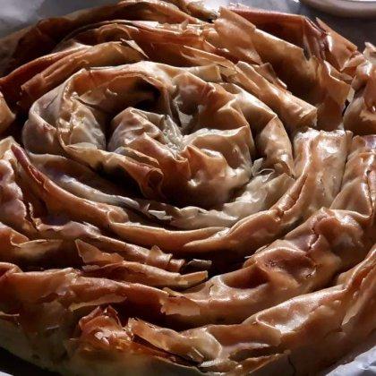 ספנקופיטה / מאפה במילוי תרד ובצל – Spanakopita
