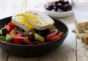 חוריאטיקי – סלט איכרים יווני / Khuriatiki – Greek Salad