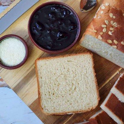 לחם לבן של פעם בתבנית קסטן