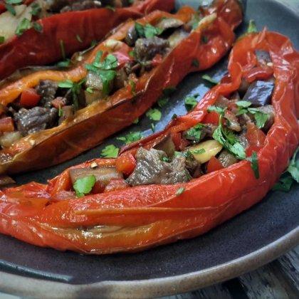 פלפל שושקה במילוי ירקות ובשר