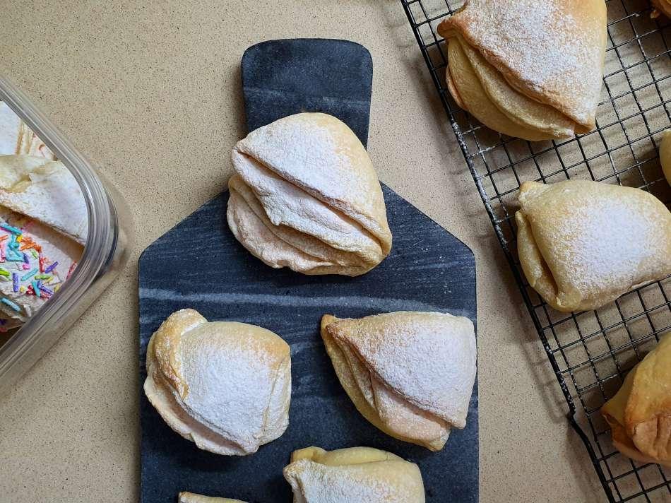 עוגיות בומבה במילוי מרנג ואגוזי מלך