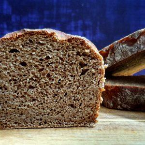 לחם מקמח מלא 100%