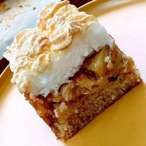 עוגת תפוחים וקצף וינאית