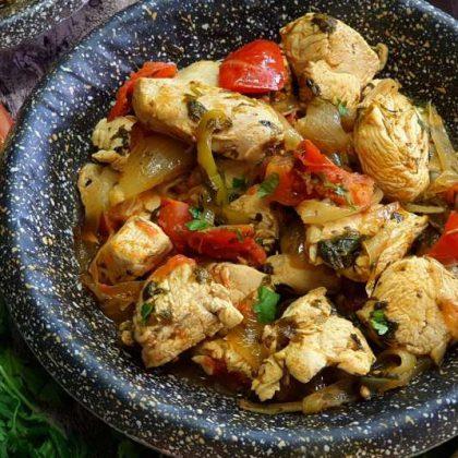 קוביות חזה עוף ברוטב מרוקאי