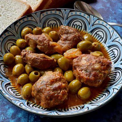 צלי בשר קציצות וזיתים