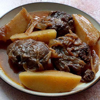 בשר שריר עם תפוחי אדמה